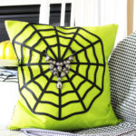 Spiderweb Pillow Tutorial