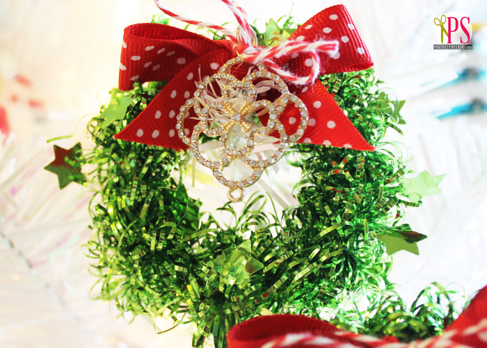 Miniature tinsel wreath christmas craft
