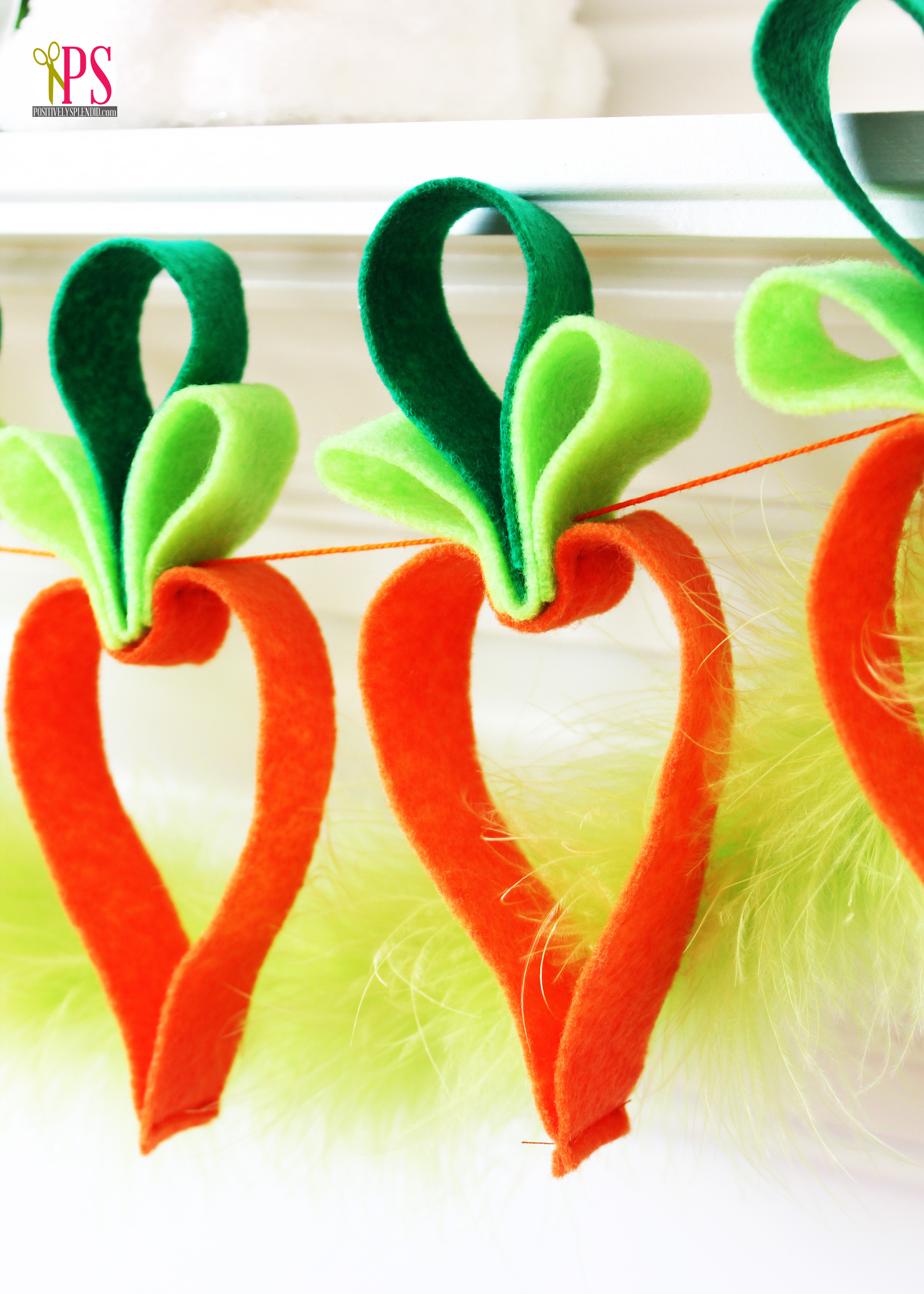 Felt Carrot Garland - Adorable and Easy Easter Craft Idea!