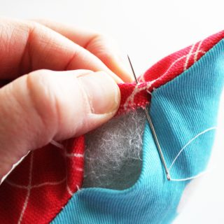 Ladder Stitch Tutorial (How to sew openings on pillows and other project closed by hand!)