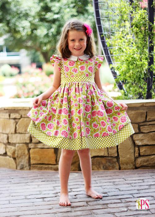 Georgia Vintage Dress Review at PositivelySplendid.com