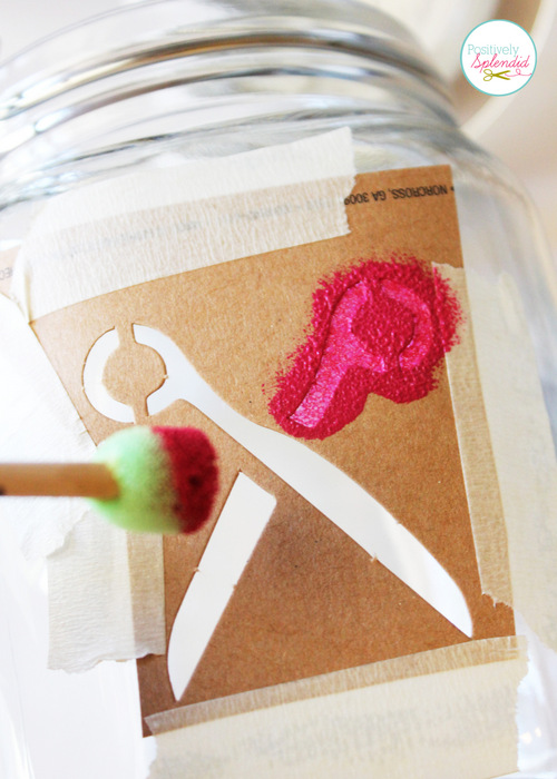 Such a clever project! Glass canister sewing organizer with removable pincushion at Positively Splendid.