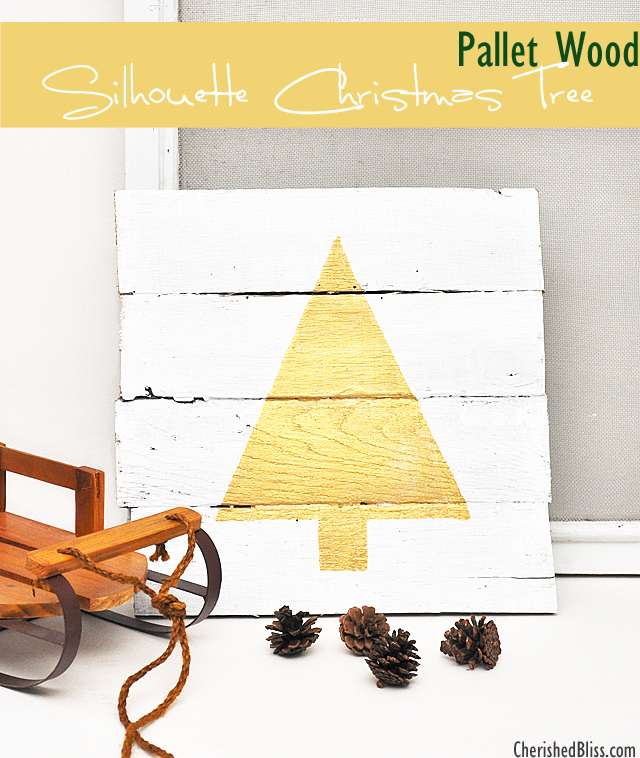 Pallet wood silhouette Christmas tree - such a great way to add some sparkle to holiday decor! #swellnoel #Christmas