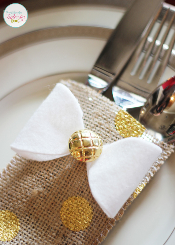 These cutlery stockings are such a fun idea for holiday place settings! Easy to make, too!