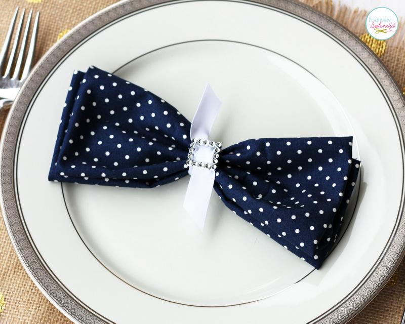 Bow tie place settings - Such an easy, pretty wedding idea!