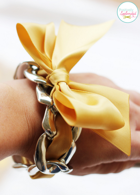 This chain link and ribbon bracelet is so pretty, and it can be made in 5 minutes or less!