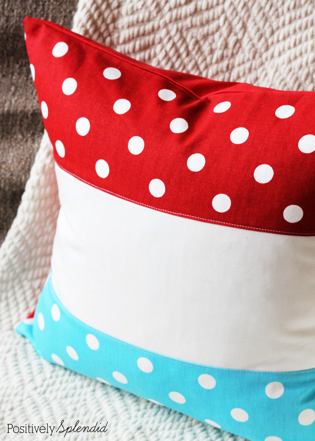 Patriotic color block pillow. These are so great for using all summer long! #ultimateredwhiteandblue