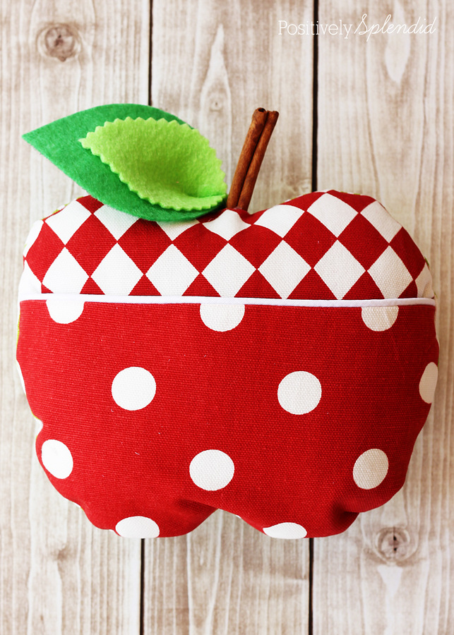This adorable apple softie features a cute little pocket to tuck notes inside. Perfect for a special teacher! Free pattern pieces + tutorial.