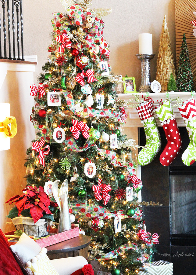 Decorating a Christmas Tree in 10 Easy Steps