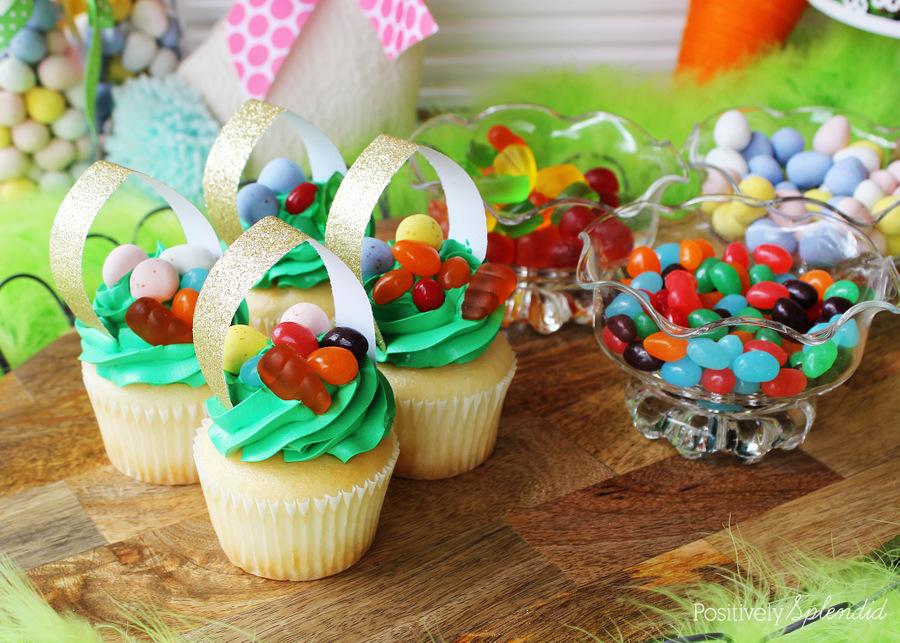 Easter basket cupcakes. So fun for Easter parties! #HersheysEaster