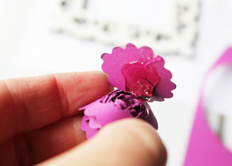 How to make rolled paper flowers #michaelsmakers