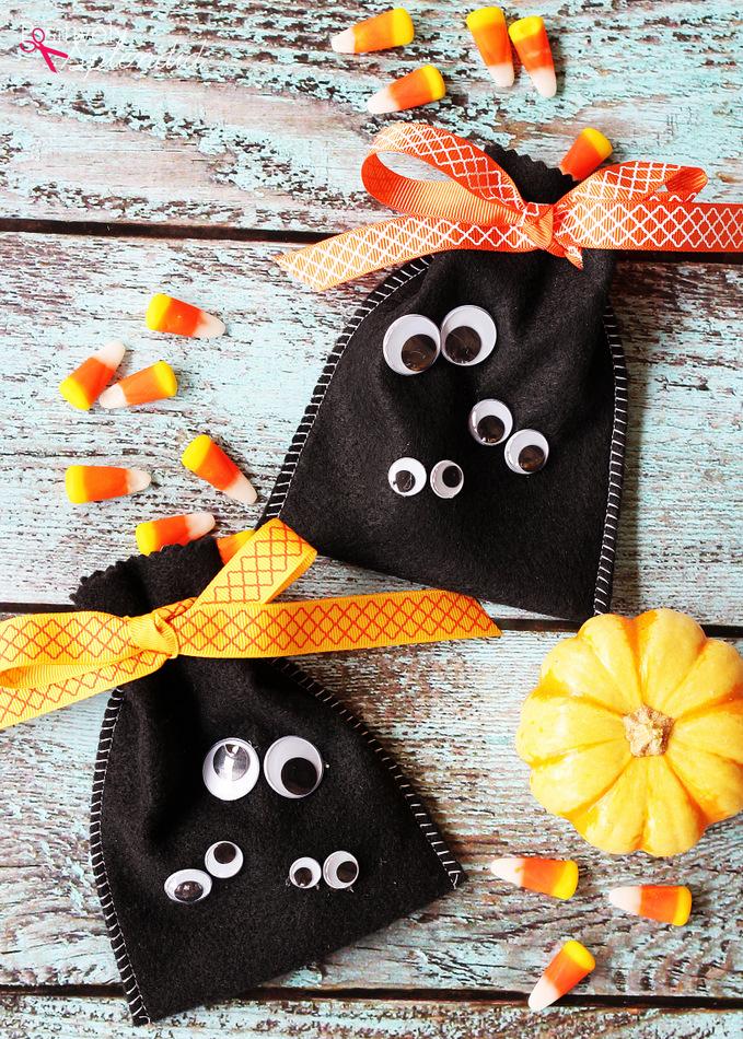 Fun Easy Halloween Craft Idea Googly Eye Treat Bags