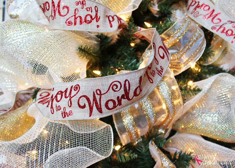Decorate a Christmas tree with ribbon #MichaelsMakers