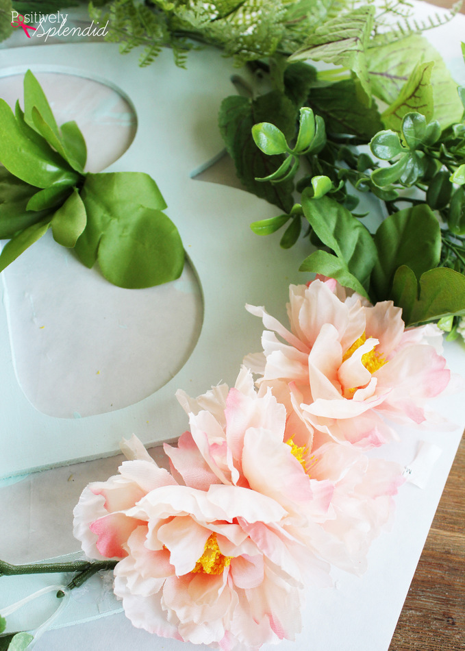 Botanical Spring Wreath by Positively Splendid. So pretty, and really simple to make! #MichaelsMakers
