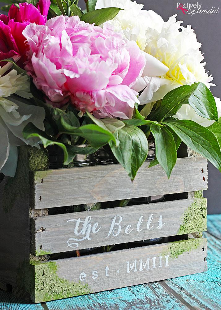 DIY Barnwood Flower Crate - Such a beautiful centerpiece idea from Positively Splendid! #plaidcreators