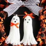 Halloween tassel ghosts--such a fun and easy Halloween craft idea!