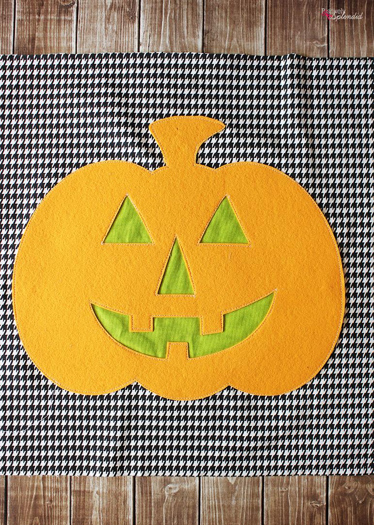 Jack-o-Lantern DIY Halloween Pillow Sewing Tutorial - An easy DIY Halloween decor idea!