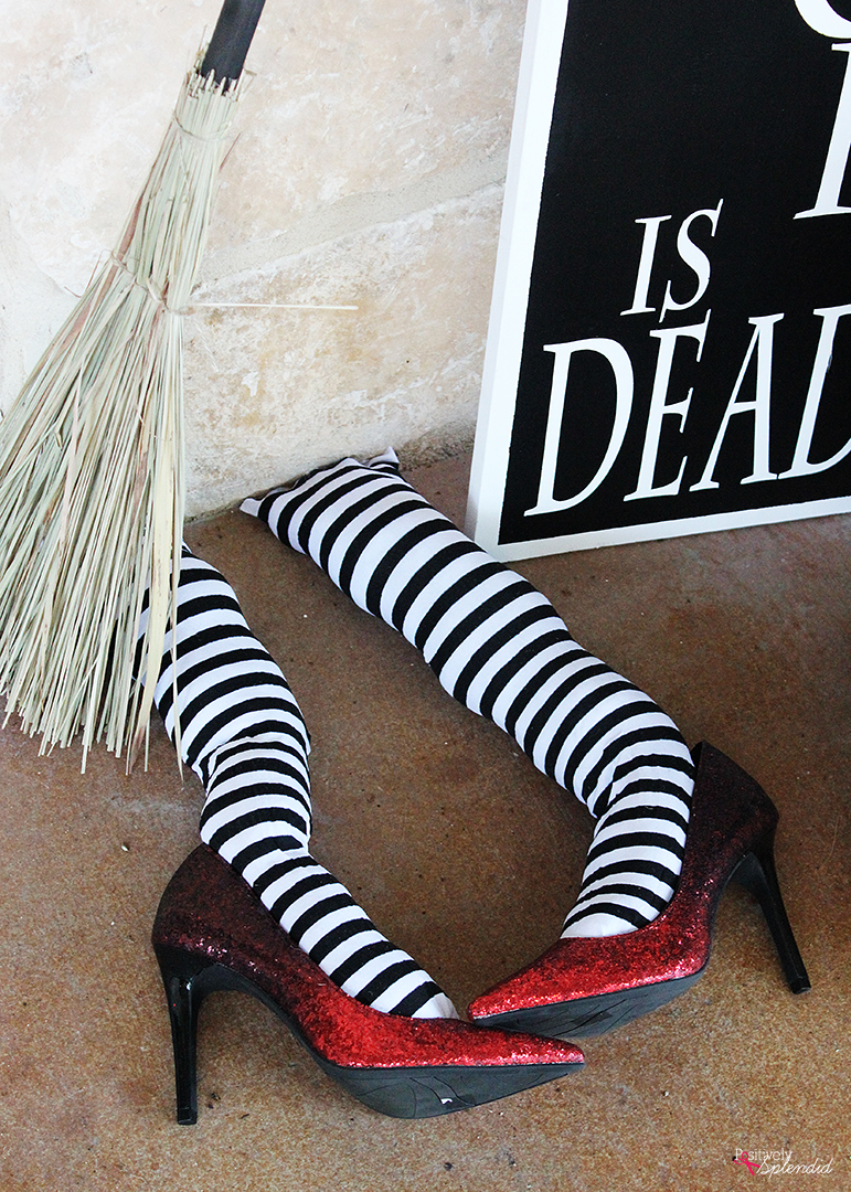 Wicked WWicked Witch Legs DIY Halloween Porch Decor Idea - So fun and festive!itch Leg DIY Halloween Porch Decor Idea - So fun and festive!