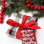 Free printable plaid Christmas gift tags