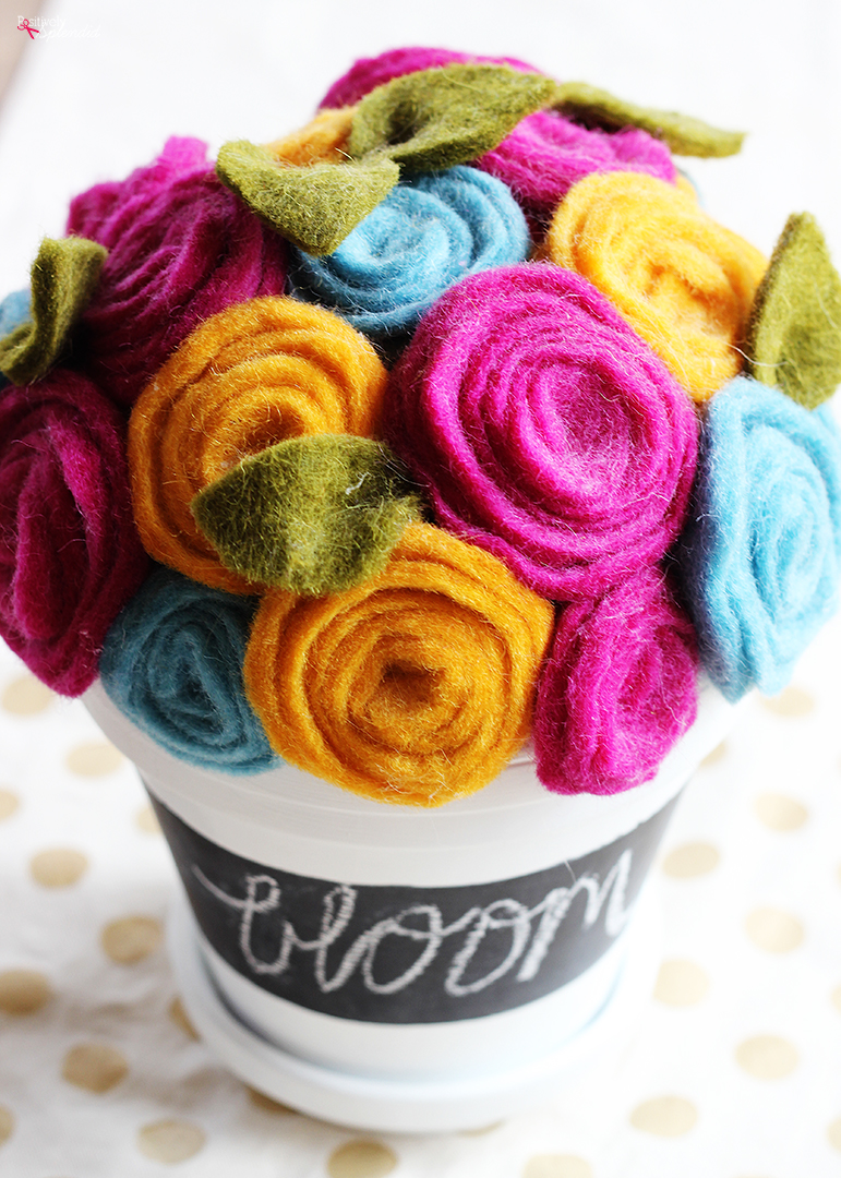 How to Make Beautiful Rolled Felt Flowers - The Easiest Method!