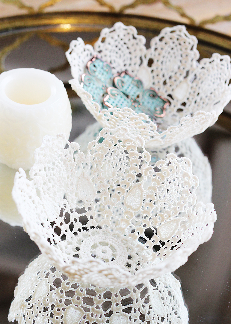 How to Make a Bowl with a Lace Doily