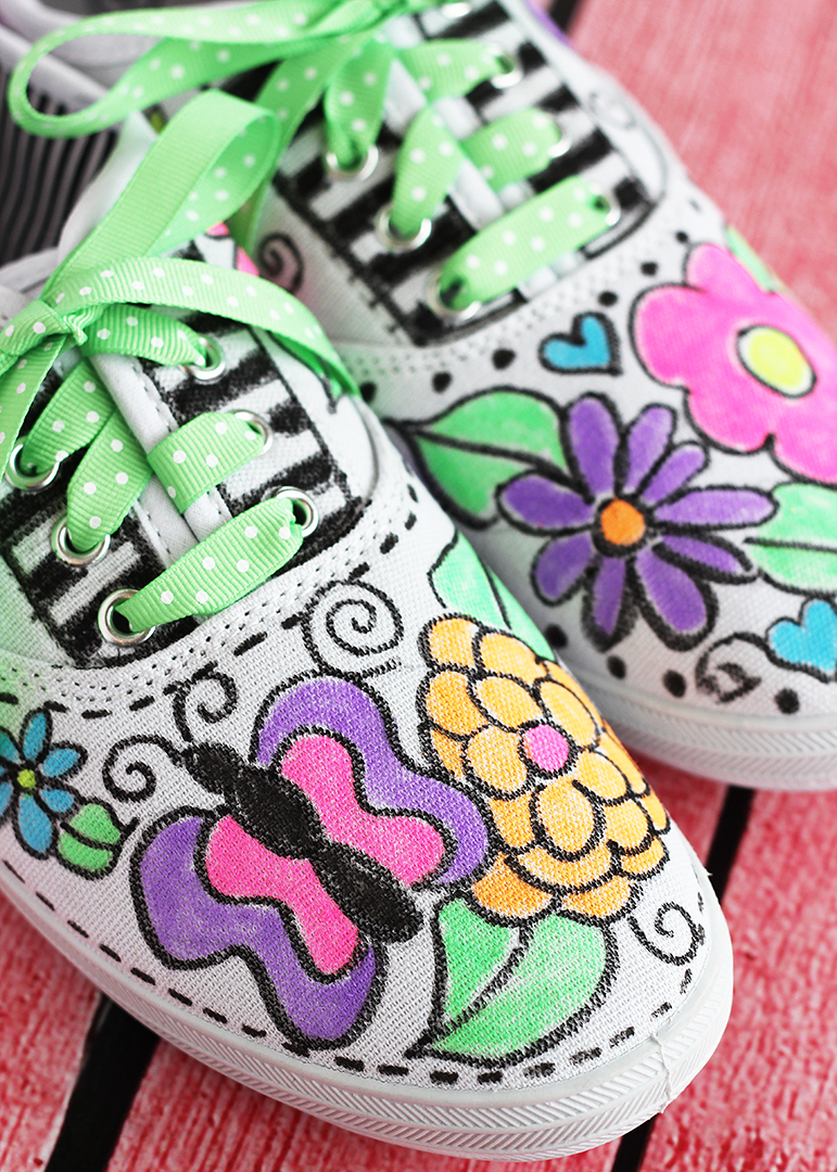 DIY Fabric Marker Sneakers