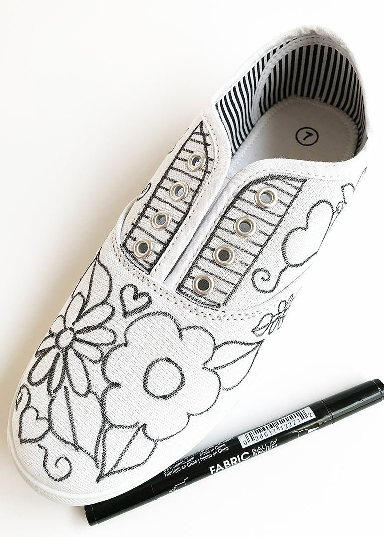 Fabric Marker DIY Decorated Sneakers