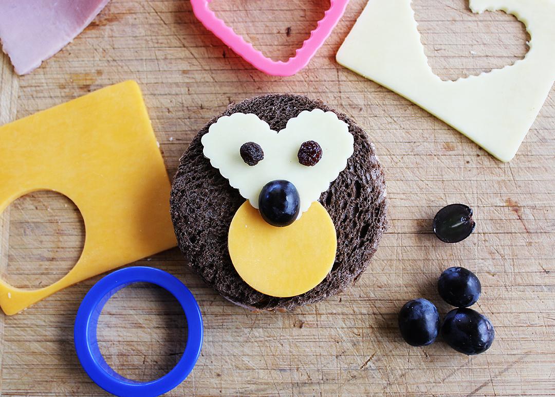 Hedgehog shaped sandwich tutorial