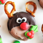 Rudolph Christmas Dipped Oreo Cookies